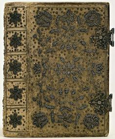 Silver embroidered suede bookbinding, made in the Netherlands, 1668-1700 aleyma.tumblr.com