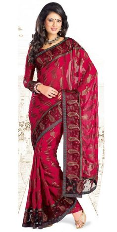 Buy Indian dresses online - the most fashionable Indian outfits for all occasions. Check out our new arrivals - the latest Indian clothes trending in India Fashion, Ethnic Fashion, Asian Fashion, Women's Fashion, Indian Attire, Indian Outfits, Indian Clothes, Desi Clothes, Beautiful Saree
