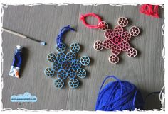 easy D.I.Y. christmas decorations: the snowflakes