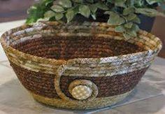 Αποτέλεσμα εικόνας για καλαθια απο χαρτι Rope Basket, Basket Weaving, Coil Pots, Pine Needle Baskets, Fabric Bowls, Rope Art, Clothes Basket, Rope Crafts, Sewing Baskets