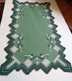 Hardanger Embroidery, Embroidery Stitches, Bargello, Fabric Manipulation, Needlework, Diy And Crafts, Projects To Try, Archive, Home Decor