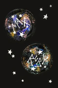 art projects This constellation process art project uses everyday household items to create your kids names in the stars! Camping Outfits, Camping Packing, Camping Checklist, Kid Cudi, Projects For Kids, Art Projects, Space Projects, Kids Crafts, Constellation Craft
