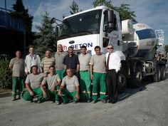 Nuh Beton A.Ş.nin Kocaeli'ndeki üç hazır beton santralini işleten Karser İnşaat, üç adet Ford Cargo 4136M(8X4) mikser şasi kamyonu filosuna dahil etti. Ford Cargo 4136M mikserler, Ford Otosan Kamyon Bölge Satış Müdürü Murat Bakış tarafından Karser İnşaat'ın ortaklarından Ömer Kara'ya törenle teslim edildi.    Detaylar:http://www.tasit.com/oto-bilgileri/oto-haberleri/nuh-beton-un-isleri-ford-cargo-mikser-ile-kolaylasacak.html