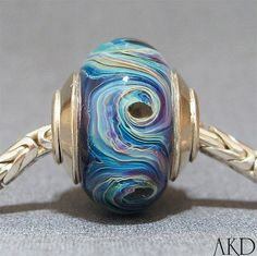 Absolutely gorgeous lampwork bead by AKDlampwork!