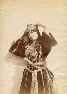 Algerian girl with a dagger