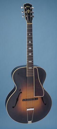 Vintage Gibson L-7 Serial Number 90854, shipped 1934, The L-7 debuted in the first version of Gibson's catalog W (1934).