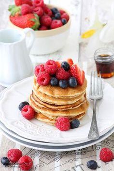 La tana del coniglio: Pancakes integrali con frutti di bosco (senza lattosio)