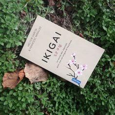 Naturopathie écologie vegan (@lebonheurestdanslanature) • Connaissez vous l'Ikigai ? . C'est un concept japonais, un mode de vie. Et si nous nous en inspirions pour avoir une vie plus belle. . Je commence la lecture de ce livre avec joie. Il a l'air facile à lire et plein de bons conseils. . J'avoue être passée à côté du Lagom par exemple, et autres modes de lifestyle. Adorant la culture japonaise, je me suis laissée avoir par celui ci. . Je vous donnerai mon avis dans prochain article sur… Plus Belle, Personal Development, Vegan, Lifestyle, Instagram, Books, Joy, Japanese Culture, Good Advice