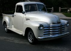 sweet pearl Vintage Chevy Trucks, Antique Trucks, Lifted Chevy Trucks, New Trucks, Cool Trucks, Vintage Cars, Vintage Ideas, Chevy Stepside, Chevrolet 3100
