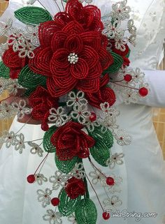 French Beaded Flowers Red Roses Bridal Bouquet for by FullaSpring Beaded Flowers Patterns, Beading Patterns, Beaded Bouquet, Motifs Perler, Seed Bead Flowers, French Beaded Flowers, Bead Jewellery, Jewelry, Beaded Ornaments