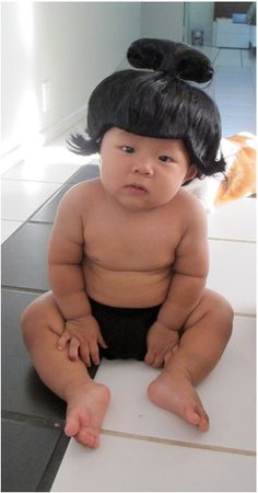Sumo Baby Hilarious Halloween Costumes For Baby – BoredBug So Cute Baby, Baby Kind, Baby Love, Cute Kids, Cute Babies, Baby Baby, Halloween Bebes, Unique Halloween Costumes, Halloween Fun
