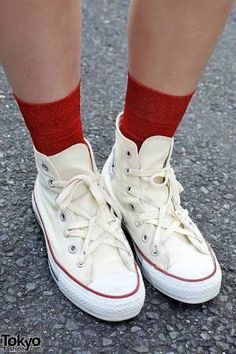 「red converse for girls」の画像検索結果