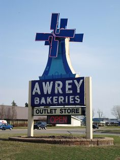 Awrey Bakery ~ Livonia, Michigan Grew up on the raspberry cream cheese swirl! Ken the Bread man brought Awreys to our door. (Twin Pines was our milk delivery) State Of Michigan, Detroit Michigan, Livonia Michigan, Detroit History, Metro Detroit, Old Signs, Ann Arbor, Motown, Great Lakes