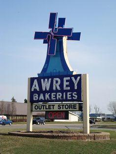Awrey Bakery ~ Livonia, Michigan Grew up on the raspberry cream cheese swirl! It was all good!