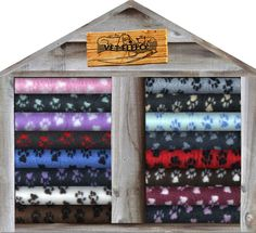 NON SLIP Professional Veterinary Bedding 13 sizes Pet Whelping Dog Puppy Vet Bed Whelping Puppies, Whelping Box, Pet Beds, Dog Bed, Kitten Beds, Airline Pet Carrier, Pet Fashion, Puppy Breeds, Pet Carriers