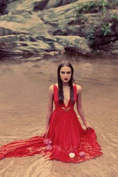 Glamorous Nature Editorials - Tropicana Water Presents a Sultry Look (GALLERY)