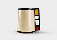 Kandura Keramik pays homage to Piet Mondrian through this ceramic mug.