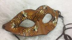 Honigsüße Träume - handgemachte Leder Bee Honeycomb Maske für Halloween, Karneval, Maskeraden, Prom
