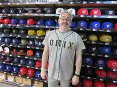 【ベースボール館】2015.03.18 カナダからご来店頂きました\(^o^)/オリックスのユニフォームがとてもお似合いです☆またのご来店お待ちしております!!