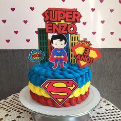 Cake birthday easy buttercream icing 18 Ideas for 2019 Bolo Do Superman, Superman Cakes, Bolo Super Man, Butter Cream Icing Easy, Birthday Cake With Candles, Cake Birthday, New Cake Design, Foto Pastel, Snowman Cake