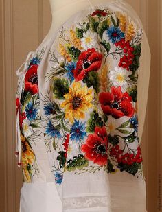 Emroidered white floral blouse by Handembroiderykvitka on Etsy Embroidery Patterns Free, Embroidery Kits, Ribbon Embroidery, Machine Embroidery Designs, Cross Stitch Patterns, Polish Embroidery, Zardozi Embroidery, Folk Clothing, Poncho