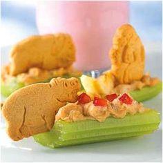 "The Maureau Memoirs: Tasteful Tuesday - ""Snack Time"" Safari Snacks Cute Food, Good Food, Yummy Food, Do It Yourself Food, Healthy Snacks For Kids, Snacks Kids, Jungle Snacks, Healthy Eating, Preschool Snacks"