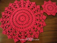 Risultati immagini per jogo americano croche diferente Crochet World, Crochet Diy, Crochet Home, Love Crochet, Crochet Motif, Crochet Doilies, Doily Patterns, Crochet Patterns, Crochet Table Topper