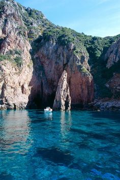 Single boat in the sea. Oh The Places You'll Go, Places To Travel, Travel Destinations, Places To Visit, Promenade En Bateau, Wonderful Places, Beautiful Places, Corsica, France Travel