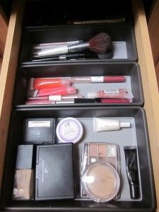 5 DIY Organizing Tips to Organize Your Make-Up Drawer for Under $35