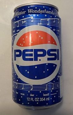 1990 - 12 ounce Pepsi Winter Cool Can (Winter Wonderland) Diet Pepsi, Pepsi Cola, Drinks Logo, Fun Drinks, Beverages, Discontinued Food, Pop Drink, Retail Signs, Mountain Dew