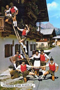 "Schuhplattlergruppe ""Hauserer Buam"" - Heimatverein Pillersee"