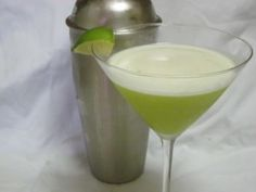 Vanilla Key Lime Martini 1/2 oz. Schnapps, butterscotch 2 oz. Vodka, vanilla 2 oz. (Minute Maid Citrus Punch) Fruit Juice 2 oz. Sprite  How to make cocktail: Combine ingredients in a cocktail shaker with ice. Strain into glass. Add a splash of fresh lime juice and garnish with lime slice on rim