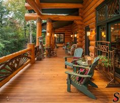Log Homes and Cabins. View photos of gorgeous log home interiors as a source of design inspiration. Log home kitchens, bedrooms and great rooms. Cabin Porches, Home Porch, Cabin Decks, Log Cabin Living, Log Cabin Homes, Log Cabins, Mountain Cabins, Block House, Log Home Kitchens