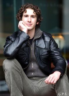 the face and THE CURLS r what stood out to me when i first saw this pic!!! seriously, how does he keep his hair so neat all the time?! -- Josh Groban / josh groban