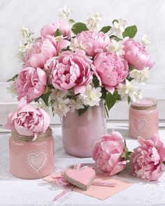 - Growing Peonies - How to Plant & Care for Peony Flowers Beautiful Flower Arrangements, Pretty Flowers, Pretty In Pink, Pink Flowers, Floral Arrangements, Peony Flower, Flower Vases, Peonies Centerpiece, Decoration Plante