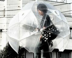 Wow who cares about the rain with this 有沒有這麼怕雨?日本的全方位雨傘
