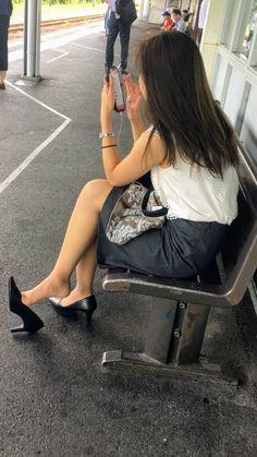 Japan Woman, Mode Chic, Gorgeous Feet, Women Legs, Sexy Stockings, Sexy Heels, Suits For Women, Women Lingerie, Asian Girl
