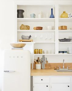 open shelf styling in the kitchen