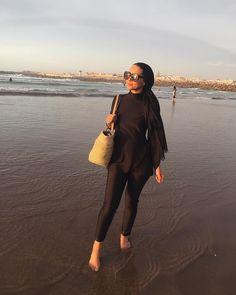 Loving my burkini from 😻 Hijab Turban Style, Mode Turban, Hijab Outfit, Hijab Fashion Summer, Street Hijab Fashion, Iranian Women Fashion, Muslim Fashion, Ootd Poses, Muslim Swimwear