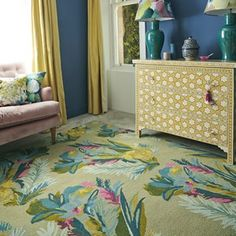 Jungle by Bluebellgray is expertly hand tufted by experts using the finest wool to ensure maximum comfort. This rug features an abstract floral design that is based on a khaki background. Prices start from Extra Large Rugs, Tufted, Rugs, Rug Design, Modern Wool Rugs, Rugs Uk, Interior, Bluebellgray, Modern Rugs