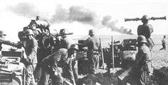 88-05.jpg (500×255) An 88 mm tank-buster anti-aircraft gun crew in action in Russia.
