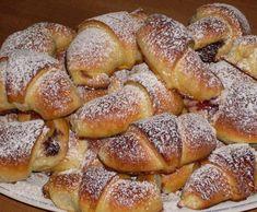 K& foszl& kifli recept- finomabbak, mint amit a legjobb p& s& Hungarian Desserts, Hungarian Recipes, Cake Recipes, Dessert Recipes, Italian Pastries, Homemade Sweets, Sweet Cookies, Hot Dog Buns, Bakery