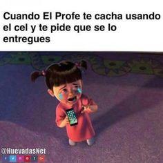 Cuando el profe te descubre usando tu celular :c Para más imágenes graciosas visita: https://www.Huevadas.net #meme #humor #chistes #viral #amor #huevadasnet