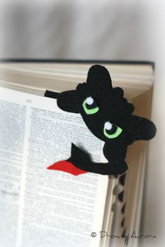 Night Fury bookmark  inspired by Toothless from How to Train your Dragon