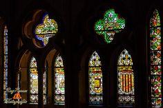 Vidrieras de la Catedral de Leon vistas desde la Plataforma de El sueño de la Luz.,  Castilla y Leon, España. Leon Cathedral, stained glass seen from Light Dream platform. Spain.