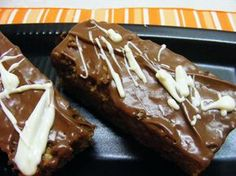Μπαρες δημητριακων ( Παρλιαρος) Tiramisu Cheesecake, Healthy Snacks, Healthy Recipes, Protein Bars, Biscuits, French Toast, Food And Drink, Pie, Cookies