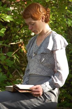 Pauline's stunning vintage Simplicty 1465 blouse in a vintage silk crepe de chine - modelled by actress Victoria Rigby in a WW1 film!