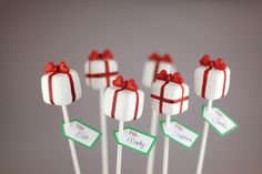 Pretty presents cake pops. Excerpted from Cake Pops Holidays: By Bakerella by Angie Dudley. Published by Chronicle Books Copyright © Christmas Present Cake, Christmas Cake Pops, Christmas Sweets, Noel Christmas, Christmas Baking, Christmas Cookies, Christmas Presents, Holiday Pops, Christmas Recipes