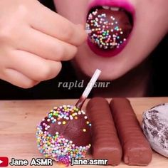Most Satisfying Video, Satisfying Things, Healthy Desserts, Delicious Desserts, Yummy Food, Food Vids, Cake Decorating Videos, Rainbow Food, Asmr Video