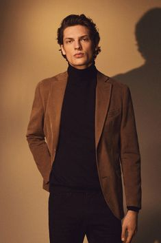 Men´s The Rules Of The Night at Massimo Dutti online. Enter now and view our Spring Summer 2019 The Rules Of The Night collection. Blazer Outfits Men, Outfits Hombre, Outfit Jeans, Casual Outfits, Men Casual, Fashion Outfits, Street Style Outfits, Mode Masculine, Man Style